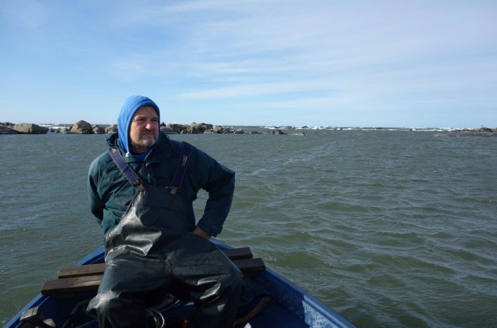 Heikki Ellilä veneessä