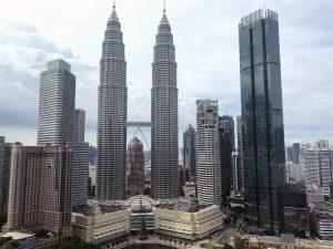 Kuvassa näkyy pilvenpiirtäjiä Kuala Lumpurissa.